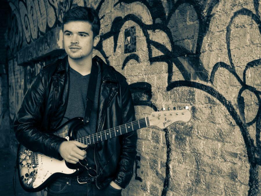 Matthew Cerveira. Musician photo shoot in an urban environement