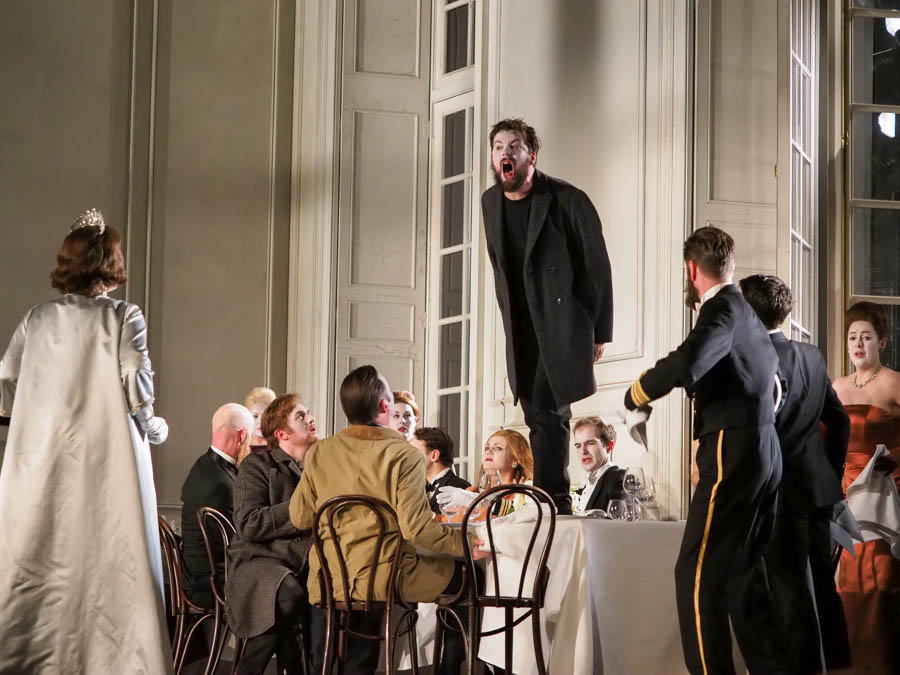 DAVID BUTT PHILIP as Hamlet. Glyndebourne Opera